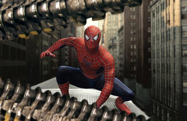 marvel-la-evolucion-del-traje-de-spider-man-en-el-cine-06-spider-man-2004